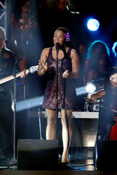 Santana, headed by guitarist Carlos Santana, performed with India.Arie on &#39;Dancing With the Stars: The Results Show,&#39; Tuesday, Sept.  21, 2010. <span class=meta>(ABC Photo&#47; Adam Larkey)</span>