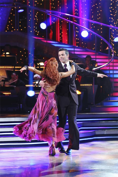 "<div class=""meta ""><span class=""caption-text "">Kurt Warner and Anna Trebunskaya perform on 'Dancing With the Stars,' Monday, Sept.  20, 2010. The judges gave the couple 19 points out of 30. (ABC Photo/ Adam Larkey)</span></div>"