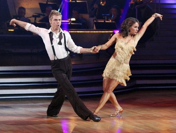 "<div class=""meta ""><span class=""caption-text "">Jennifer Grey and Derek Hough perform on 'Dancing With the Stars,' Monday, Sept. 27, 2010. The judges gave the couple 24 points out of 30. (ABC/ Adam Larkey)</span></div>"