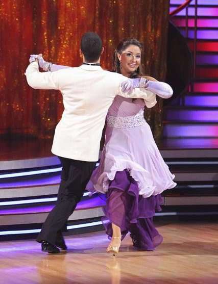 Bristol Palin and Mark Ballas perform on &#39;Dancing With the Stars,&#39; Monday, Sept. 27, 2010. The judges gave the couple 22 points out of 30. <span class=meta>(ABC&#47; Adam Larkey)</span>