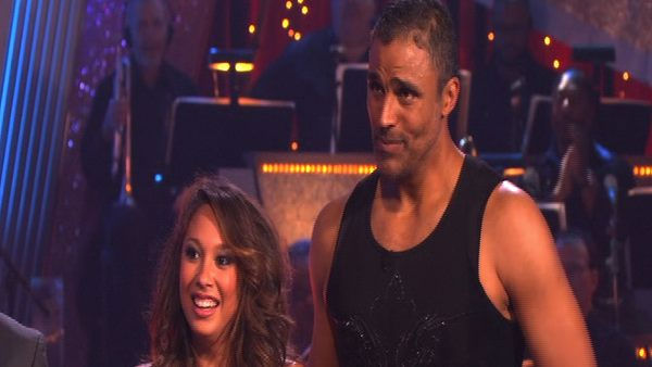 "<div class=""meta ""><span class=""caption-text "">Rick Fox and Cheryl Burke perform on 'Dancing With the Stars,' Monday, Sept. 27, 2010. The judges gave the couple 21 points out of 30. (KABC Photo)</span></div>"