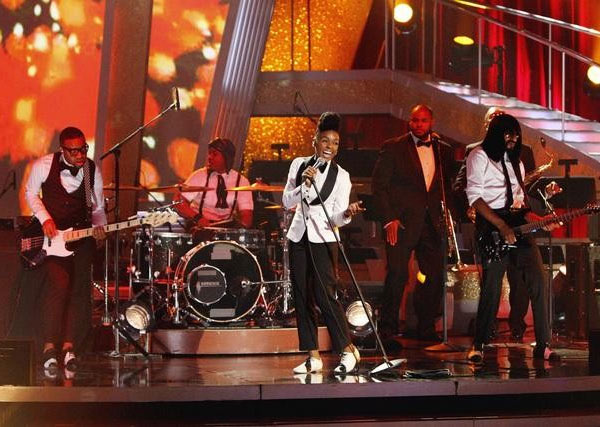 "<div class=""meta ""><span class=""caption-text "">Singer Janelle Monae performed on 'Dancing With the Stars: The Results Show,' Tuesday, Sept. 28, 2010. (ABC Photo/ Adam Larkey)</span></div>"