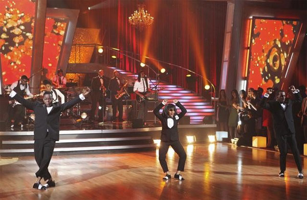 "<div class=""meta image-caption""><div class=""origin-logo origin-image ""><span></span></div><span class=""caption-text"">Singer Janelle Monae performed on 'Dancing With the Stars: The Results Show,' Tuesday, Sept. 28, 2010. (ABC Photo/ Adam Larkey)</span></div>"