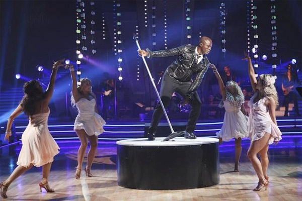 Seal performed on &#39;Dancing With the Stars: The Results Show,&#39; Tuesday, Sept. 28, 2010. <span class=meta>(ABC Photo&#47; Adam Larkey)</span>