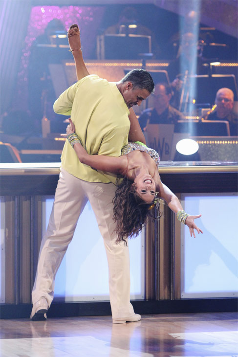 Rick Fox and Cheryl Burke perform on &#39;Dancing With the Stars,&#39; Monday, Oct. 4, 2010. The judges gave the couple 24 points out of 30. <span class=meta>(ABC Photo&#47; Adam Larkey)</span>