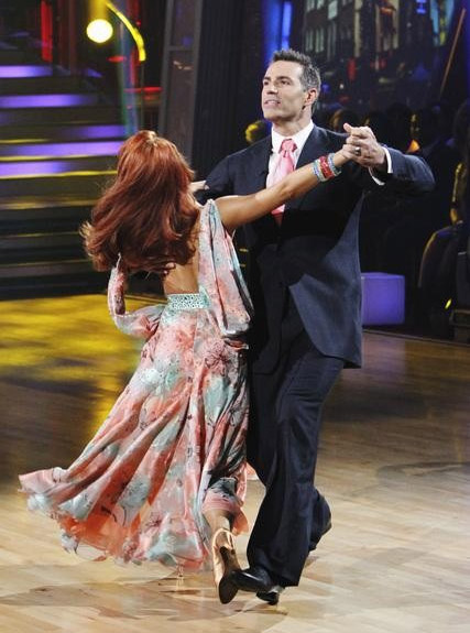 Kurt Warner and Anna Trebunskaya perform on 'Dancing With the S