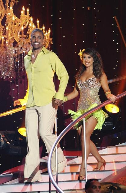 "<div class=""meta image-caption""><div class=""origin-logo origin-image ""><span></span></div><span class=""caption-text"">Rick Fox and Cheryl Burke on 'Dancing With the Stars,' Monday, Oct. 4, 2010. The judges gave the couple 24 points out of 30. (ABC Photo/ Adam Larkey)</span></div>"