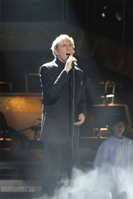 Michael Bolton performs on 'Dancing With the Stars: The Results Show,' Tuesday, Oct. 5, 2010.