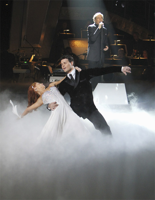 Michael Bolton, with professional dancers Anna Trebunskaya and Jonathan Roberts, performs on 'Dancing With the Stars: The Results Show,' Tuesday, Oct. 5, 2010.