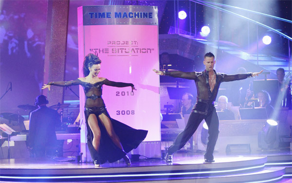 "<div class=""meta ""><span class=""caption-text "">Mike 'The Situation' Sorrentino and Karina Smirnoff entertain the audience with an encore performance on 'Dancing With the Stars: The Results Show,' Tuesday, Oct. 5, 2010. (ABC Photo/ Adam Larkey)</span></div>"