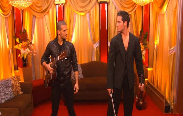 "<div class=""meta ""><span class=""caption-text "">Mark Ballas and Val Chmerkovskiy had a string duel to a rendition of Britney Spears' 'Toxic' on 'Dancing With the Stars: The Results Show,' Tuesday, Oct. 5, 2010. (KABC Photo)</span></div>"