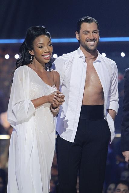 Brandy and Maksim Chmerkovskiy perform on &#39;Dancing With the Stars,&#39; Monday, Oct. 11, 2010. The judges gave the couple 48 points out of 60. <span class=meta>(ABC&#47;Adam Larkey)</span>