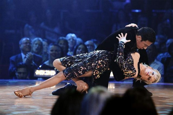 Florence Henderson and Corky Ballas perform on &#39;Dancing With the Stars,&#39; Monday, Oct. 11, 2010. The judges gave the couple 35 points out of 60. <span class=meta>(ABC&#47;Adam Larkey)</span>