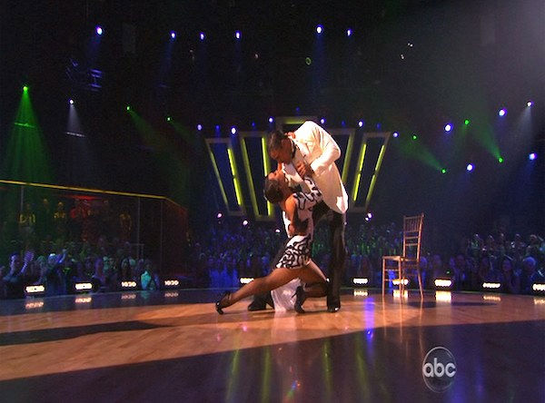 Rick Fox and Cheryl Burke perform on &#39;Dancing With the Stars,&#39; Monday, Oct. 11, 2010. The judges gave the couple 39 points out of 60. <span class=meta>(KABC Photo)</span>