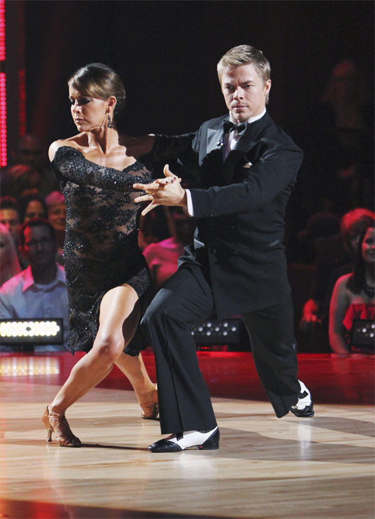 Jennifer Grey and Derek Hough entertain the audience with an encore performance on &#39;Dancing With the Stars: The Results Show,&#39; Tuesday, Oct. 12, 2010.  <span class=meta>(ABC Photo&#47; Adam Larkey)</span>