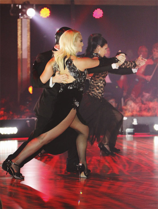 The Macy&#39;s Stars of Dance perform on &#39;Dancing With the Stars: The Results Show,&#39; Tuesday, Oct. 12, 2010. <span class=meta>(ABC Photo&#47; Adam Larkey)</span>