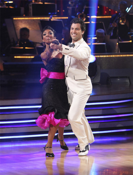 Brandy and Maksim Chmerkovskiy perform to the &#39;Friends&#39; theme on &#39;Dancing With the Stars,&#39; Monday, Oct. 18, 2010. The judges gave the couple 27 points out of 30. <span class=meta>(ABC Photo&#47;Adam Larkey)</span>