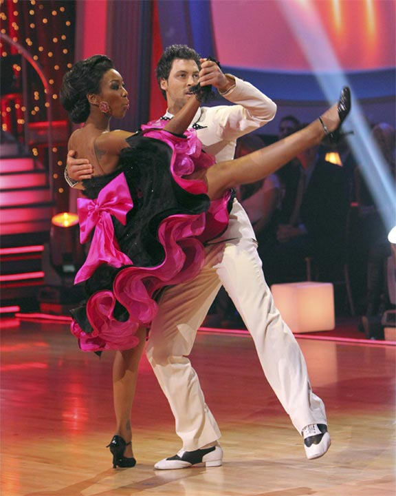 "<div class=""meta ""><span class=""caption-text "">Brandy and Maksim Chmerkovskiy perform to the 'Friends' theme on 'Dancing With the Stars,' Monday, Oct. 18, 2010. The judges gave the couple 27 points out of 30. (ABC Photo/Adam Larkey)</span></div>"