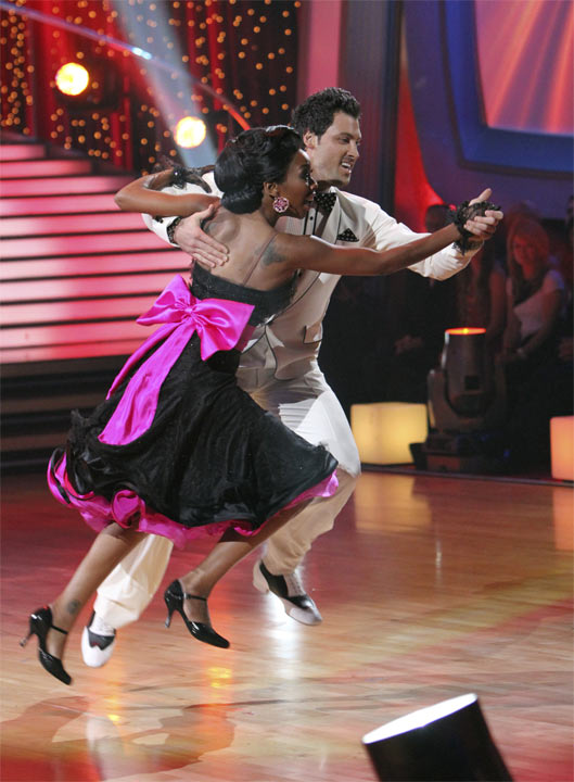 "<div class=""meta image-caption""><div class=""origin-logo origin-image ""><span></span></div><span class=""caption-text"">Brandy and Maksim Chmerkovskiy perform to the 'Friends' theme on 'Dancing With the Stars,' Monday, Oct. 18, 2010. The judges gave the couple 27 points out of 30. (ABC Photo/Adam Larkey)</span></div>"