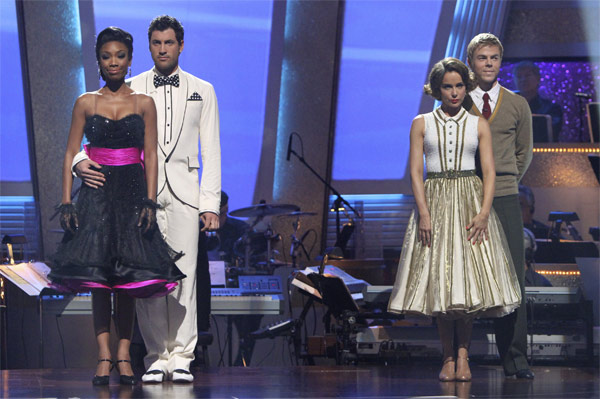 Brandy, Maksim Chmerkovskiy, Jennifer Grey and Derek Hough wait to hear their fate on &#39;Dancing With the Stars: The Results Show,&#39; Tuesday, Oct. 19, 2010.  <span class=meta>(ABC Photo&#47;Adam Larkey)</span>