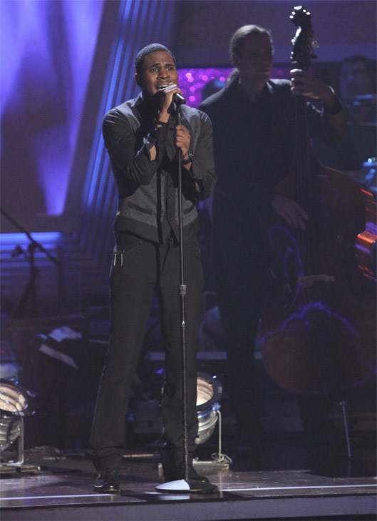Jason Derulo performs a contemporary version of the classic song &#39;Georgia On My Mind&#39; on &#39;Dancing With the Stars: The Results Show,&#39; Tuesday, Oct. 19, 2010. <span class=meta>(ABC Photo&#47;Adam Larkey)</span>