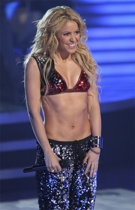 Shakira stopped by and sang her single &#39;Loca&#39; on &#39;Dancing With the Stars: The Results Show,&#39; Tuesday, Oct. 19, 2010. <span class=meta>(ABC Photo&#47;Adam Larkey)</span>