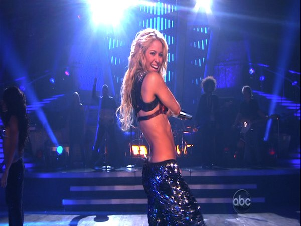 Shakira stopped by and sang her single &#39;Loca&#39; on &#39;Dancing With the Stars: The Results Show,&#39; Tuesday, Oct. 19, 2010. <span class=meta>(KABC Photo)</span>