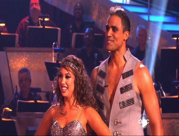 Rick Fox and Cheryl Burke perform on &#39;Dancing With the Stars,&#39; Monday, Oct. 25, 2010. The judges gave the couple 24 out of 30 for individual and 6 points for the dance marathon for a total of 30. <span class=meta>(KABC Photo)</span>