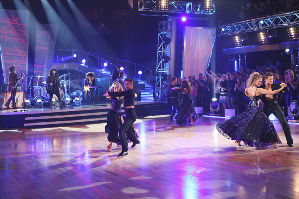 "<div class=""meta ""><span class=""caption-text "">Legendary rock and roll band Heart played its iconic hit, 'Barracuda,' accompanied by 'Dancing With the Stars' pros Louis van Amstel, Karina Smirnoff, Derek Hough, Chelsie Hightower, Damian Whitewood and Peta Murgatroyd, on 'Dancing With the Stars: The Results Show,' Tuesday, Oct. 26, 2010. (ABC Photo/Adam Larkey)</span></div>"