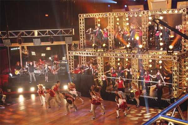 Macy&#39;s Stars of Dance, kid musicians from the School of Rock program and performers from The Powerhouse Choir from John Burroughs High School in Burbank, California, performed on &#39;Dancing With the Stars: The Results Show,&#39; Tuesday, Oct. 26, 2010. <span class=meta>(ABC Photo&#47;Adam Larkey)</span>