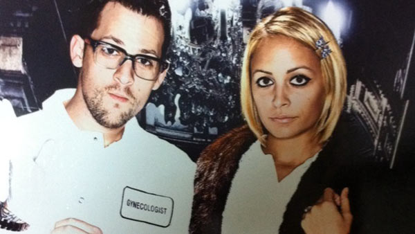 "<div class=""meta ""><span class=""caption-text "">Nicole Richie and Joel Madden dress up as Dr McSqueemy & Margot Tennenbaum for Halloween. (twitter.com/nicolerichie)</span></div>"