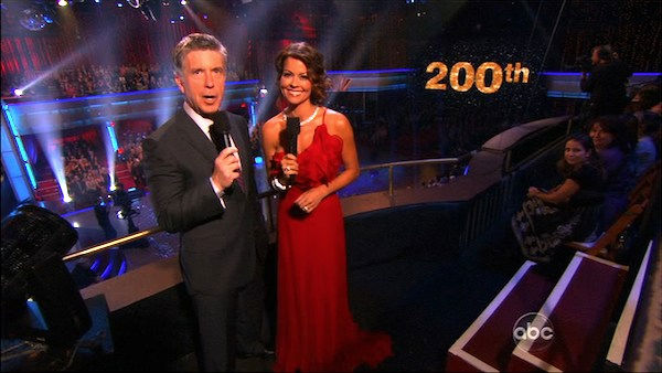 Tom Bergeron and Brooke Burke help celebrate the 200th episode of &#39;Dancing With the Stars,&#39; Monday, Nov. 1, 2010. <span class=meta>(KABC Photo)</span>
