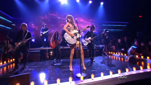 "<div class=""meta ""><span class=""caption-text "">Taylor Swift stopped by and performed songs from her album Speak Now on 'Dancing With the Stars: The Results Show,' Tuesday, Nov. 2, 2010. (KABC Photo)</span></div>"