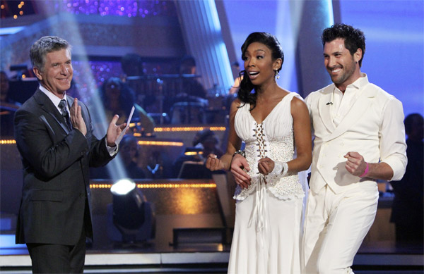 Brandy and Maksim Chmerkovskiy perform on &#39;Dancing With the Stars,&#39; Monday, Nov. 8, 2010. The judges gave the couple 29 out of 30 for their waltz and 28 points out of 30 for their &#39;instant dance.&#39; The couple earned a total of 57 out of 60.  <span class=meta>(ABC Photo&#47;Adam Larkey)</span>