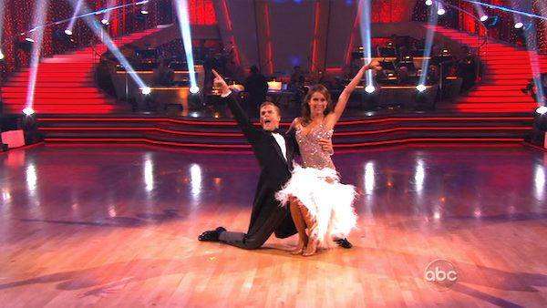 "<div class=""meta image-caption""><div class=""origin-logo origin-image ""><span></span></div><span class=""caption-text"">Jennifer Grey and Derek Hough perform on 'Dancing With the Stars,' Monday, Nov. 8, 2010. The judges gave the couple 27 out of 30 for their quickstep and 30 points out of 30 for their 'instant dance.' The couple earned a total of 57 out of 60.  (KABC Photo)</span></div>"