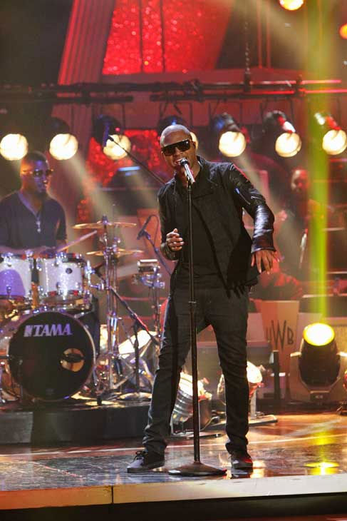 "<div class=""meta ""><span class=""caption-text "">Taio Cruz stopped by and performed new single 'Dynamite' on 'Dancing With the Stars: The Results Show,' Tuesday, Nov. 9, 2010. (ABC Photo/ Adam Larkey)</span></div>"