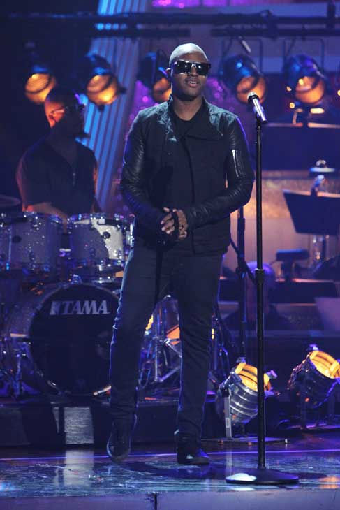 "<div class=""meta image-caption""><div class=""origin-logo origin-image ""><span></span></div><span class=""caption-text"">Taio Cruz stopped by and performed new single 'Dynamite' on 'Dancing With the Stars: The Results Show,' Tuesday, Nov. 9, 2010. (ABC Photo/ Adam Larkey)</span></div>"