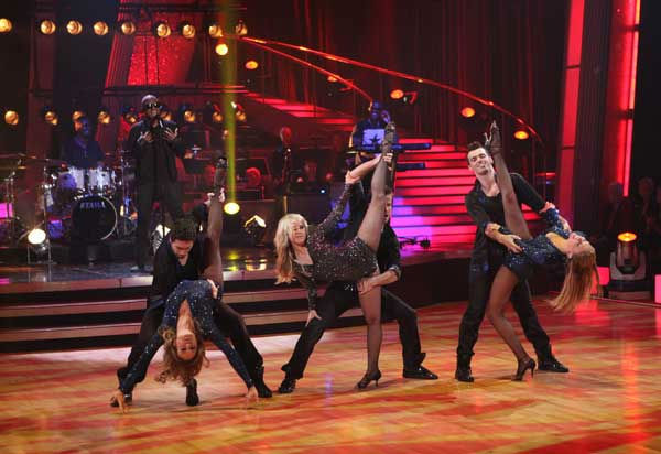 Taio Cruz stopped by and performed new single &#39;Dynamite&#39; on &#39;Dancing With the Stars: The Results Show,&#39; Tuesday, Nov. 9, 2010. <span class=meta>(ABC Photo&#47; Adam Larkey)</span>