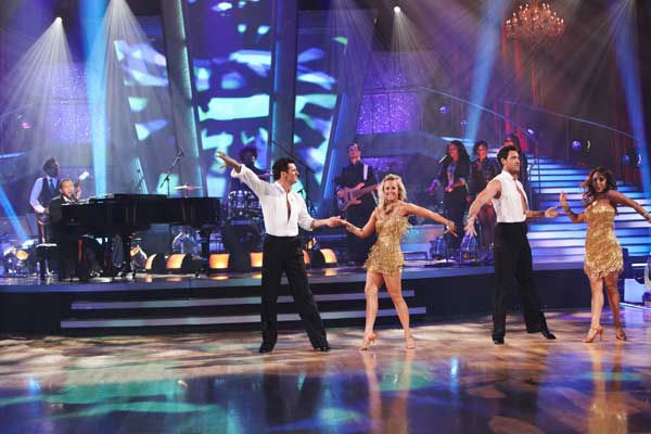 "<div class=""meta image-caption""><div class=""origin-logo origin-image ""><span></span></div><span class=""caption-text"">John Legend and The Roots performed on 'Dancing With the Stars: The Results Show,' Tuesday, Nov. 9, 2010. (ABC Photo/ Adam Larkey)</span></div>"
