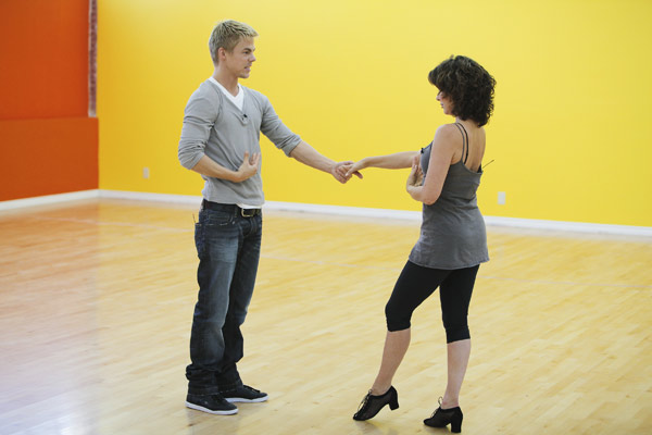 Jennifer Grey joins two-time mirror ball champion Derek Hough for his seventh season. The season 11 star-studded cast and their professional partners get ready to break in their dancing shoes on ABC&#39; &#39;Dancing With the Stars&#39; for the long awaited two-hour season premiere, Monday, September 20. <span class=meta>(ABC&#47;Greg Zabilski)</span>