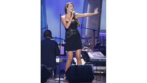 Joss Stone performs on 'Dancing With the Stars: The Results Show', Sept. 29, 2009