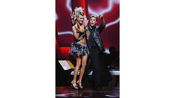 Joanna Krupa and Derek Hough on 'Dancing With the Stars: The Results Show', Sept. 29, 2009