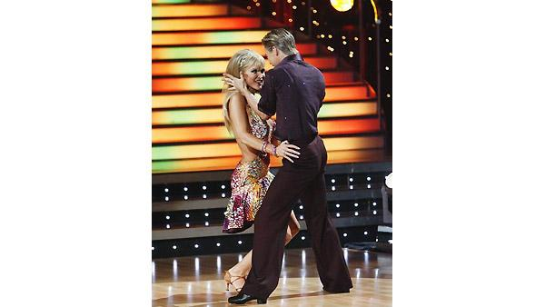Joanna Krupa, Derek Hough on 'Dancing With the Stars', Oct. 5, 2009