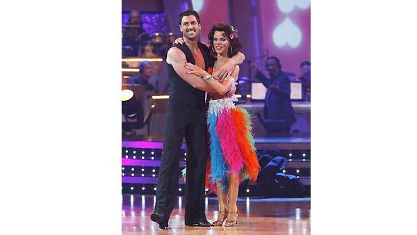Debi Mazar, Maksim Chmerkovskiy on 'Dancing With the Stars', Oct. 5, 2009