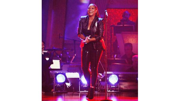 Queen Latifah perf