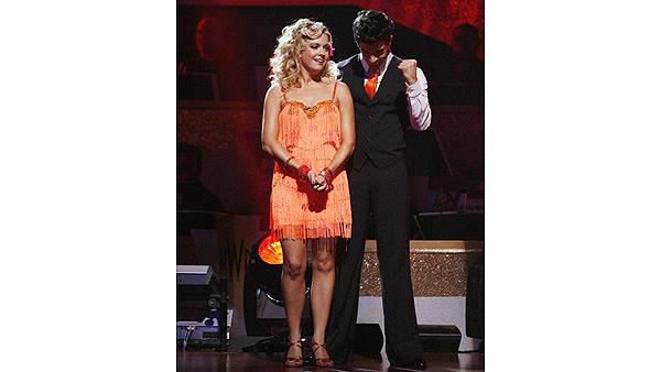 Melissa Joan Hart, Mark Ballas on 'Dancing With the Stars: The Results Show,' Oct. 6, 2009