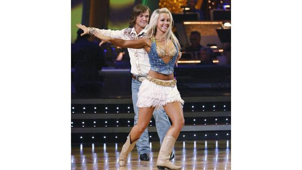 Louie Vito and Chelsie Hightower perform during 'Dancing With the Stars,' Oct. 12