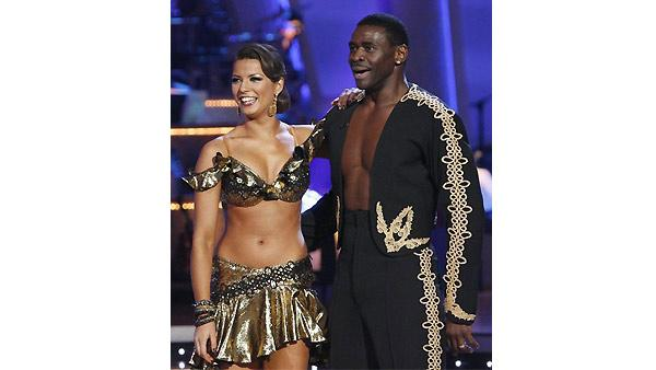 Michael Irvin and Anna Demidova perform on 'Dancing With the Stars', October 19, 2009.