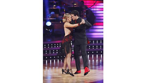 Melissa Joan Hart and Mark Ballas perform on 'Dancing With the Stars', October 19, 2009