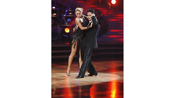 Donny Osmond and Kym Johnson perform on 'Dancing With the Stars', October 19, 2009